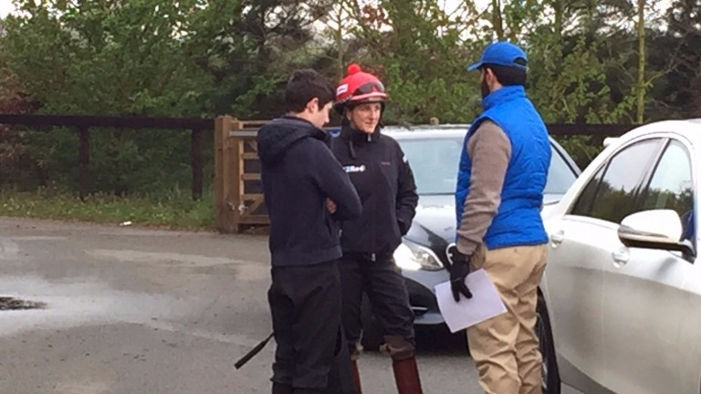 Saeed Bin Suroor (right) talks to Oisin Murphy (left) and Josephine Gordon