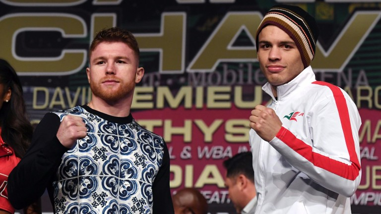 Canelo Alvarez (left) and Julio Cesar Chavez Jr