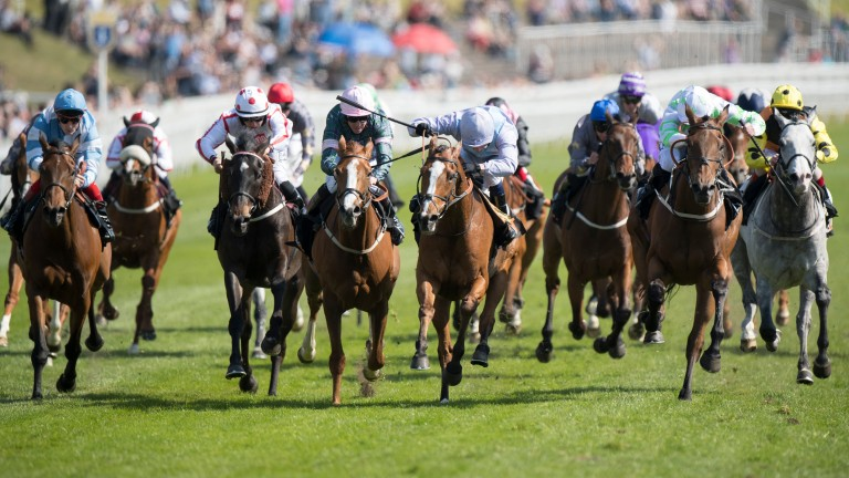 Oisin Murphy gets Montaly (centre) up close home in the 188Bet Chester Cup