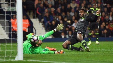 Michy Batshuayi scores the goal that clinched the title