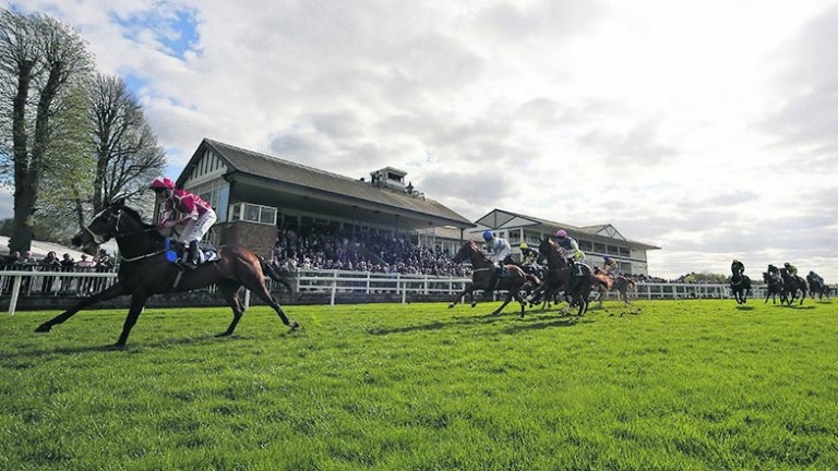 Jamie Spencer says the pull-up bend at Windsor never poses any difficulties, unlike the bend that takes runners towards the home straight