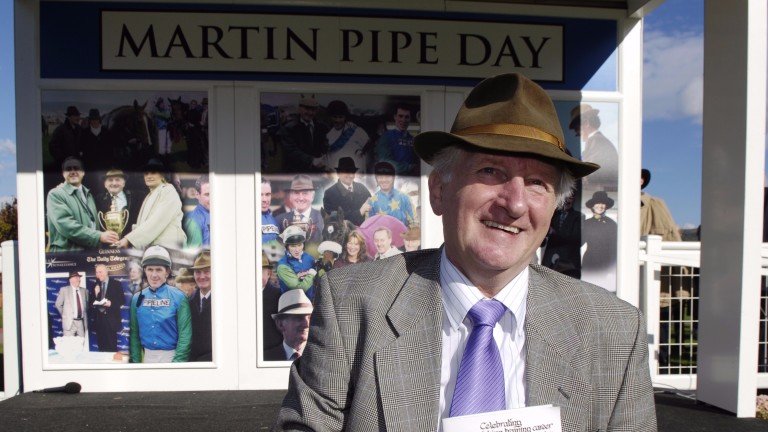Cheltenham 24.10.06 Picture:Edward WhitakerMartin Pipe acknowledges the crowds on the days racing named after the former champion trainer
