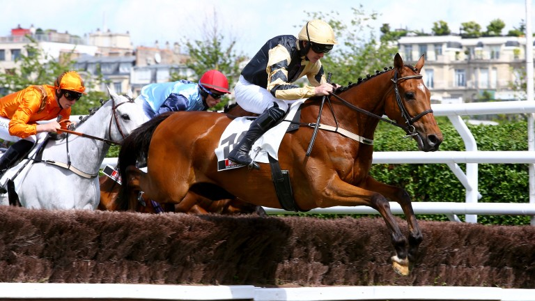 Samedi 20 Mai 2017;Auteuil;PRIX LA BARKA - PRIX LES GRANDES GUEULES DU SPORT - G2;Ruby WALSH;Willie P. MULLINS;Andréa WYLIE Mme;D. JOHNSON;GRAHAM WYLIE;SCOOPDYGA - DYGA Laurent