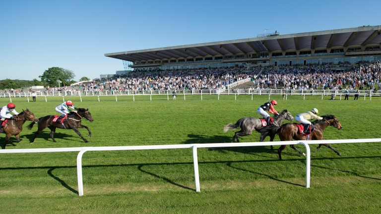 Boycie and Tina Smith hold off Silver Ghost in the Sandown opener