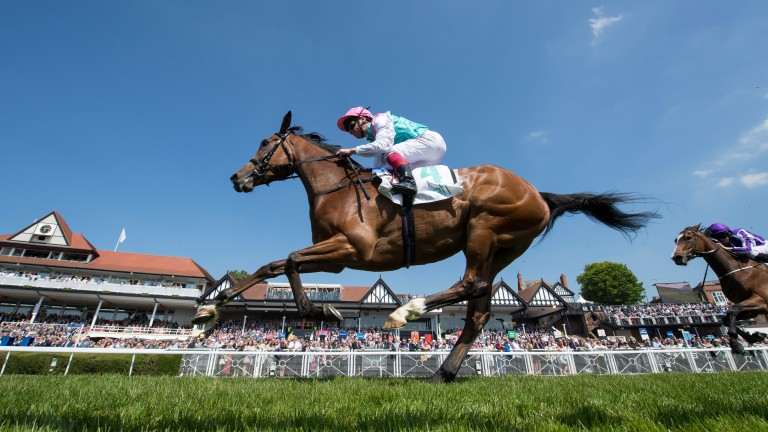 Enable and Frankie Dettori winning the Cheshire Oaks