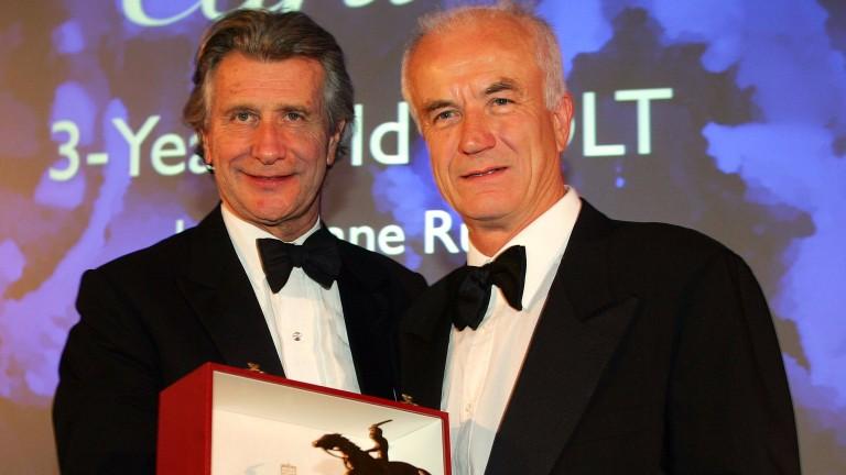 Dietrich von Boetticher (right) receives Hurricane Run's Cartier Award in 2005