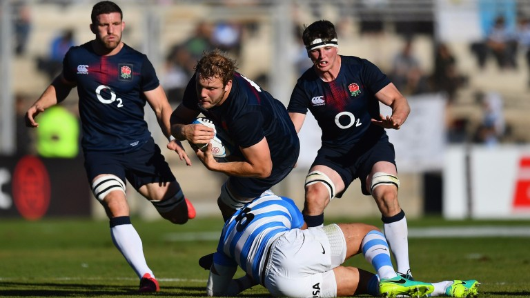 Joe Launchbury takes on the Argentina defence