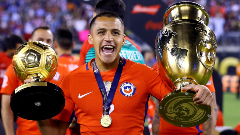 Alexis Sanchez celebrates Chile's Copa America win