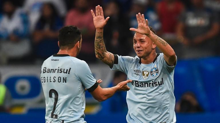Gremio's Edilson (left) and Everton
