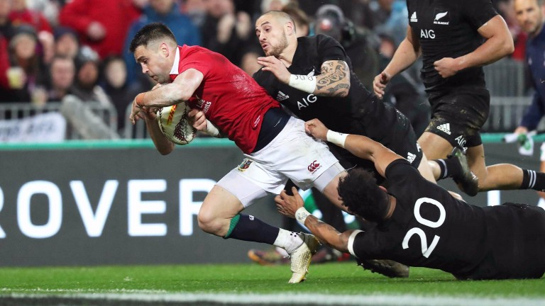 Conor Murray dives over for the Lions' second try