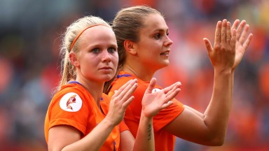 Holland won their first game against Norway