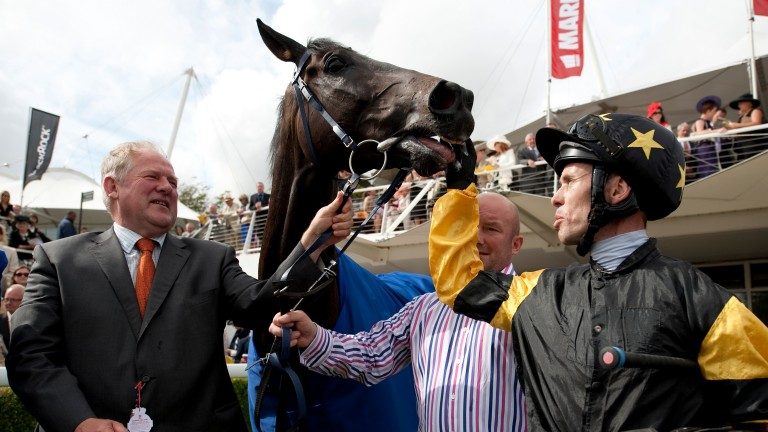 Jim Goldie and Graham Lee celebrate after Hawkeyethenoo's Stewards' Cup win