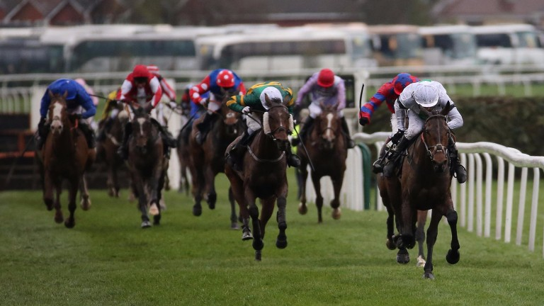 Pineau De Re (right): winning the 2014 Grand National