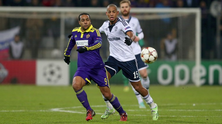 Maribor's Tavares (left) in action against Schalke