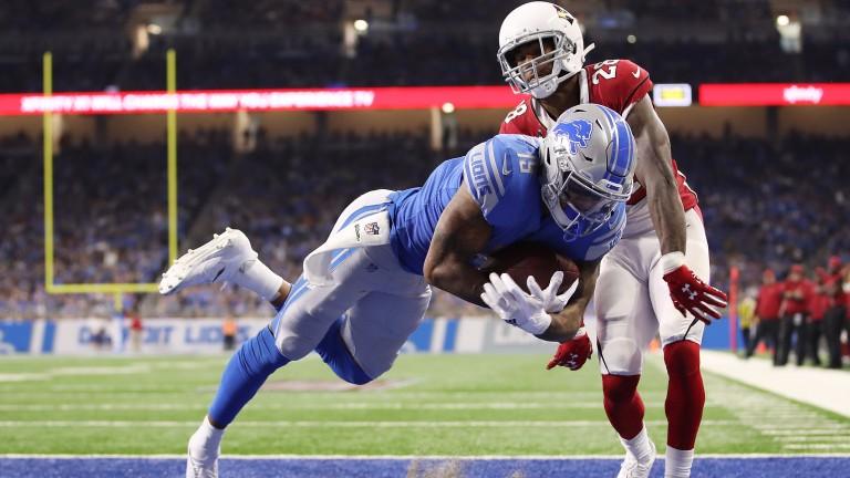 Kenny Golladay scores a touchdown for Detroit