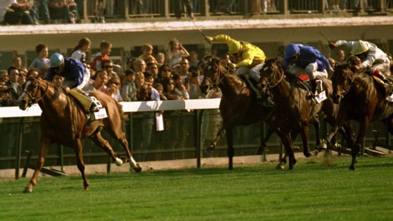 The outstanding Peintre Celebre wins the 1997 Prix de l'Arc de Triomphe by five lengths