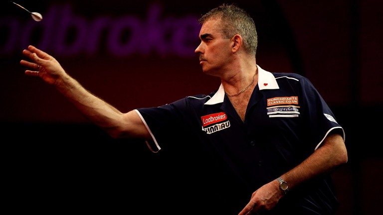 Steve Beaton faces in-form Rob Cross