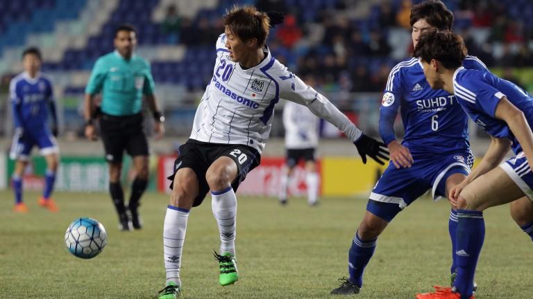 Gamba Osaka striker Shun Nagasawa (left) can cause rivals Cerezo plenty of problems