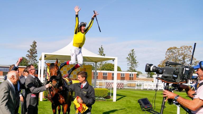 James Garfield - Frankie Dettori  jumps off at Newbury last month©cranhamphoto.com