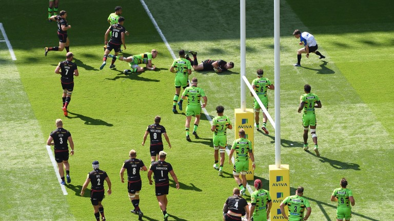 Brad Barritt scored the first try of Saracens' nine tries against Northampton after just eight minutes