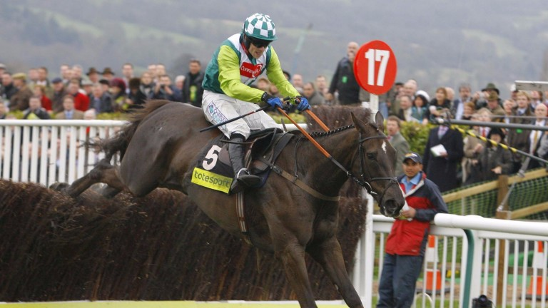 Denman and Sam Thomas on their way to victory in the 2008 Cheltenham Gold Cup