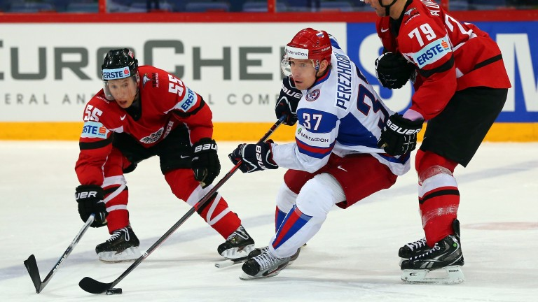 Alexander Perezhogin (centre) brings experience to Avangard's line-up