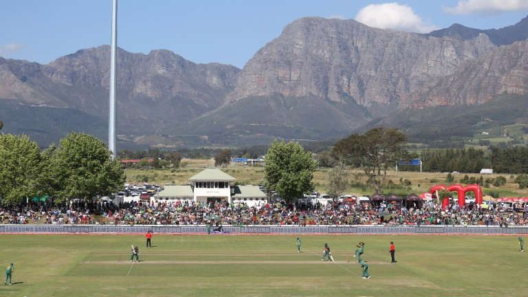 South Africa thrashed Bangladesh in the second ODI in Paarl