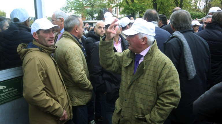Protesters at Saint-Cloud block the entrance to the parade ring
