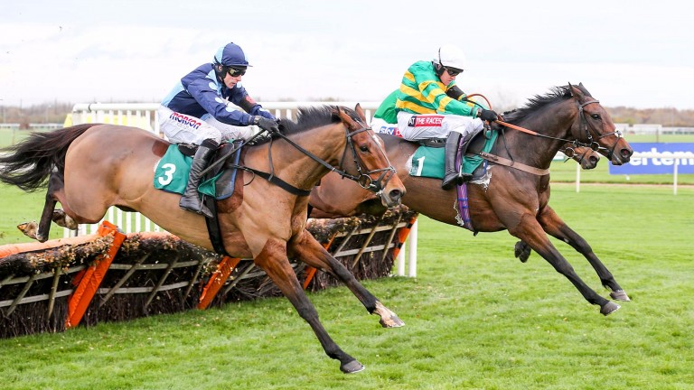 Unowhatimeanharry (right) jumps to the lead at the final flight