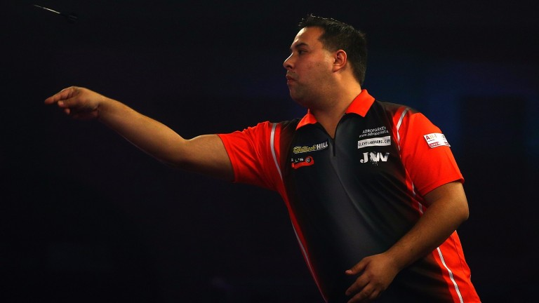 Jermaine Wattimena in World Championship action at Allly Pally