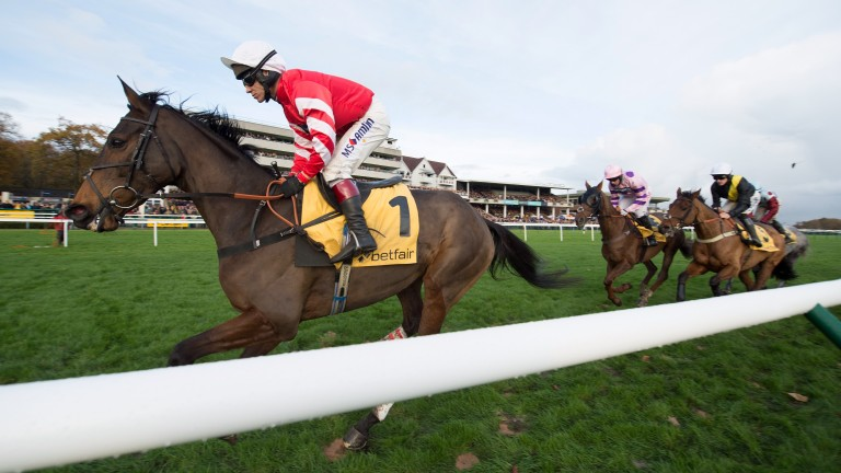 Coneygree leads early on during last season's Betfair Chase at Haydock