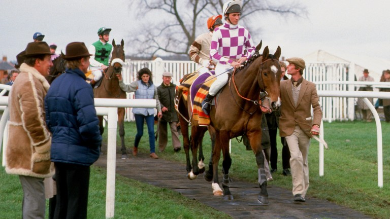 Paul Nicholls before Broadheath's 1986 Hennessy victory watched by David Nicholson (far left)