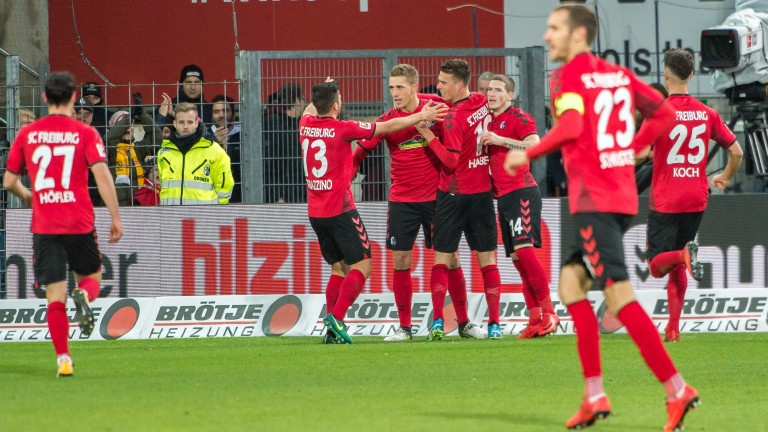 Freiburg celebrates a goal against Mainz