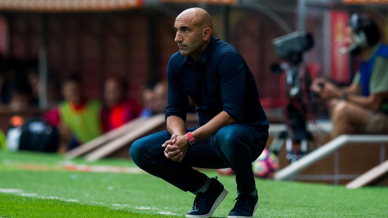 Abelardo is the coach of Alaves