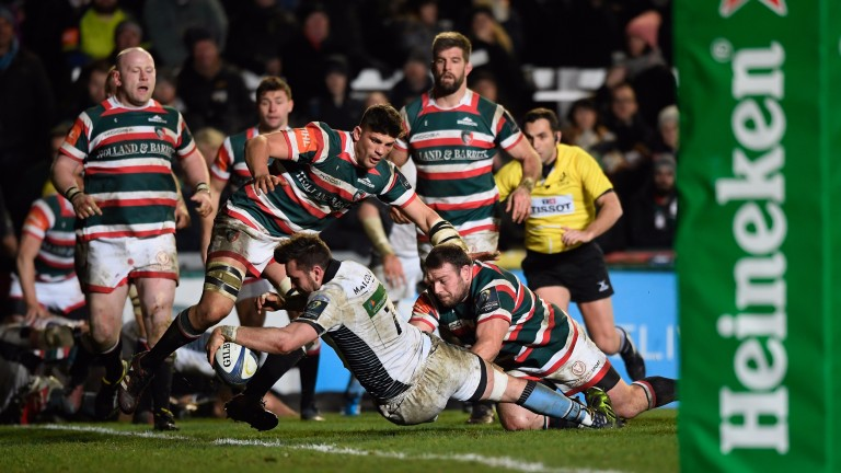 Ryan Wilson scores a try against Leicester Tigers