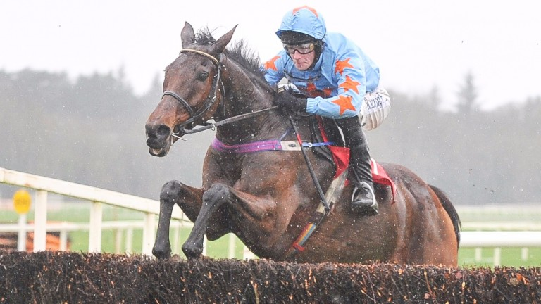 Un De Sceaux and David Mullins win the Hilly Way Chase