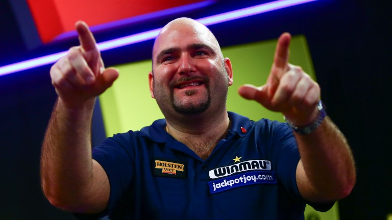 Scott Waites faces Dean Reynolds at the Lakeside