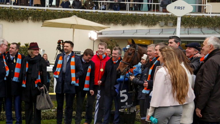 Connections pose with Clarence House Chase winner Un De Sceaux