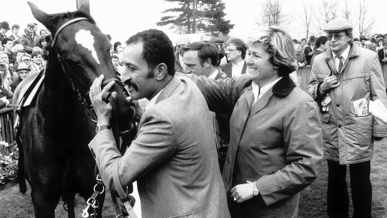 Criquette Head with Ravinella after the filly's victory in the 1988 1,000 Guineas
