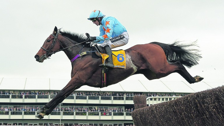 Un De Sceaux and Ruby Walsh on the way to Ryanair success last season.
