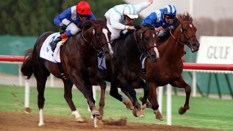 Conflict and Ted Durcan win the 2000 Godolphin Mile at Nad Al Sheba