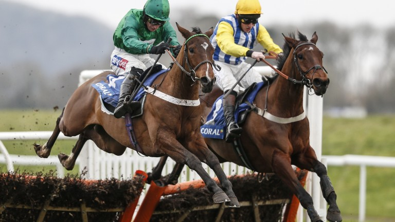 Kempton runner tnoight: Suusex Ranger (far side) just loses out to We Have A Dream in the Finale Junior Hurdle at Chepstow in January