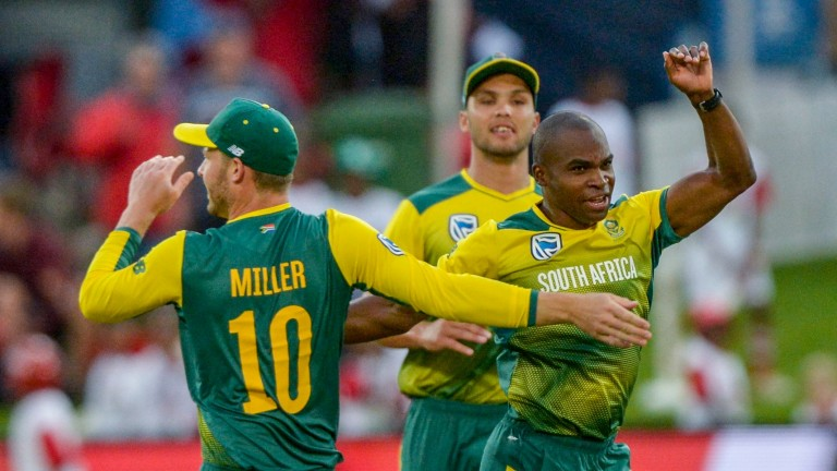 South Africa rejoice after Junior Dala's dismissal of Virat Kohli in Centurion