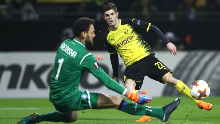 Christian Pulisic goes close for Dortmund against Atalanta