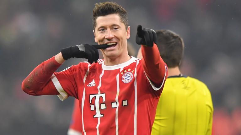 Robert Lewandowski of Bayern Muenchen celebrates