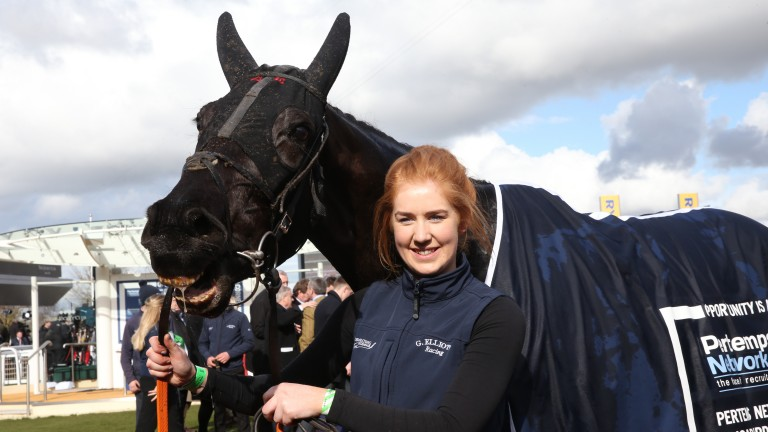 Leanne Holton with Pertemps winner Delta Work