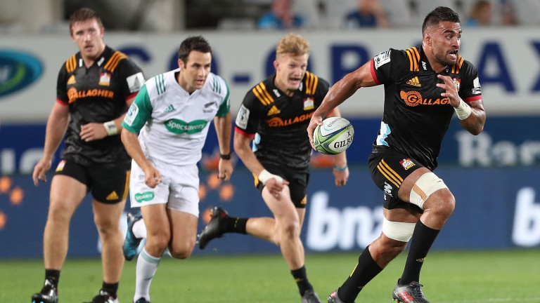 Chiefs backrower Liam Messam on the charge against the Blues