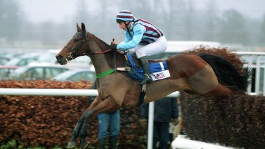 Kempton Park - 26.12.2003The Pertemps King George VI Steeplechase.Winner - No 1 Edredon Bleu - J.Culloty.