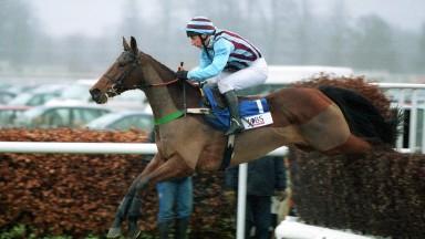 Kempton Park - 26.12.2003The Pertemps King George VI Steeplechase.Winner - No 1 Edredon Bleu - J.Culloty.