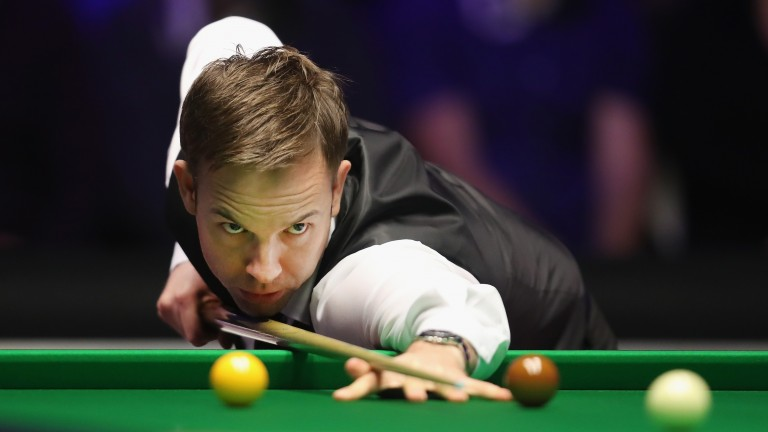 Ali Carter held off Stephen Maguire 4-3 to progress to the last four